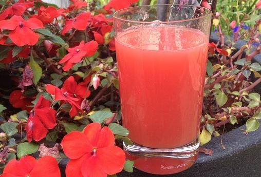 Watermeloen aardbei limonade